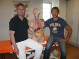 Axel Vogt (links) und Kai Haag arbeiten als Physiotherapeuten, Schmerzphysiotherapeut und Osteopath