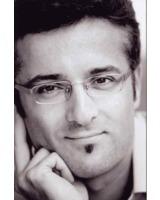 Dr. med. Darius Alamouti arbeitet als ästhetischer Mediziner in der Haranni Clinic in Herne