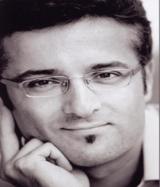 Dr. Darius Alamouti nutzt Ohrknorpelschienen zur Ohrenkorrektur