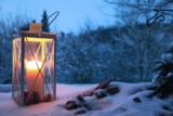 Bei Winterdepression bringen Gespräche und Psychotherapie Licht ins Dunkel.