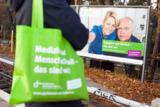Kampagnenmotiv am S-Bahnhof Schlachtensee