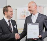 Jan Schubert nimmt Auszeichnung Software made in Germany entgegen