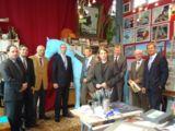 David Beavan und die Sponsoren bei der Präsentation des Entwurfes für das Pferd nach Berlin