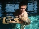 Watsu - sicher gehalten und tief entspannt in warmem Wasser schweben