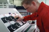 Qualitätskontrolle in der Offsetdruckproduktion