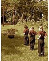 Kinder Tai Chi im Garten der Wu Wei Hamburg