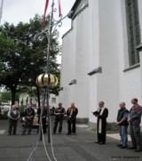 Aufstellen des Kirchturmkreuzes