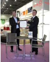 Geschäftsführer Maurus Reisenthel und Volker Nissen, Filialleiter London, nahmen den Award entgegen.