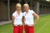 Die Golflehrerinnen Geraldine Bode und Kathrin Kreil mit Frauengolfkursen