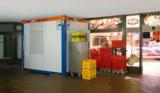 Der Abstand zwischen dem HKL Mietcontainer und der Decke beträgt weniger als einen Zentimeter.