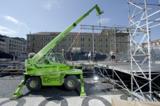 HKL Mietmaschinen im Einsatz beim Tribünenbau in Augsburg.