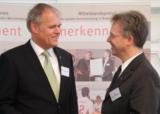 (v.l.) Senator h.c. Gerhard R. Daiger, Generalvikar Dr. Stroppel/Foto: Dr. Walser Dental GmbH
