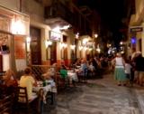 Abendstimmung in den Altstadtgassen der ehemaligen griechischen Hauptstadt Nafplio