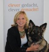 Kirsten Winkelbach mit ihrer Hündin Tessa. Foto: Vanessa Pegel/Charakter-Magazin