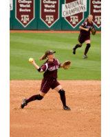 Softball wird in Deutschland nur von Frauen gespielt.