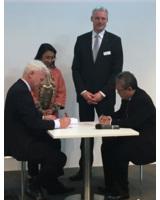 Andreas Karge, Geschäftsführer WMD, und Hari Tjahjono, President Director ABYOR. Abb. WMD
