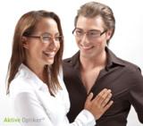 Sympathische Brillenmodels in der Prospektwerbung von Aktive Optiker.