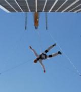 Base Flying vom Dach des Park Inn Berlin-Alexanderplatz