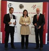 Im Bild: Prof. Klaus Sedlbauer, Bayerische Staatssekretärin Katja Hessel, Prof. Michael Braun