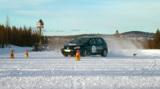 Die Nokian Winter Driving School trainiert das Fahren bei Schneeglätte und Eis Foto: Nokian Reifen