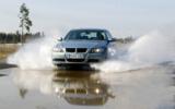 """Der """"vorbildliche"""" Öko-Reifen Nokian V im """"Auto Bild"""" Test fährt sehr sicher   Foto: Nokian Tyres"""