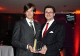 Gold für Kago Virals: Dr. Pierre Kago & Dr. Nikolai A. Behr