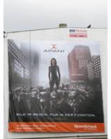Endlich hängt die APANI Werbung in der Rheinstraße