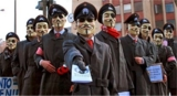 Gruppenfoto zwielichtiger Anonymous-Mitglieder