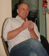 Michael Bauer ist u. a. Buchautor und Herausgeber erfolgreicher Hypnose-CD