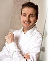 Dr. Aschkan Entezami, Facharzt für Plastische und Ästhetisch