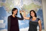 Léa Pedroncini (l.) und Esther Dèveze aus Paris von der französischen Partnerhochschule