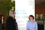 Von der Open University beraten Dr. Elisabeth Manning (l.) und Jackie Schüller (r.)