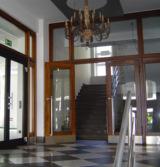 Eingang zur Rheinischen Fachhochschule Köln