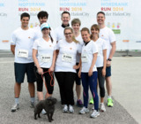 Das cut-e Team mit Hund Lilly beim HSH Nordbank Run 2014