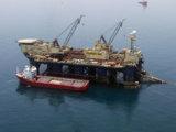 Die Rohrsegmente werden zu einem Spezialschiff transportiert (Copyright: Nord Stream AG)
