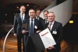 Die strahlenden Gewinner von der Staufen AG mit ihren Partnern von Recaro Aircraft Seating