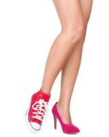 Facebook- und Printanzeigen sind zwei Paar Schuhe, die sich jedoch gut ergänzen.