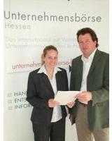 Elena Kennedy mit Dirk Olbrich, Geschäftsführer der exact Beratung GmbH