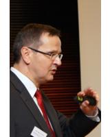 Mit viel Engagement machte Referent Prof. Dr. Jürgen Bott eine Bestandsaufnahme der SEPA.