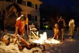 Verschneite Figuren am Wolfgangsee