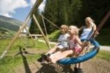 Im Tiroler Feriengebiet Tux-Finkenberg können Familien einzigartige Sommerurlaubserlebnisse sammeln.