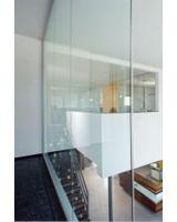 Mit fecoplan können Wandhöhen bis 3,50M als absturzsichernder Glas-Raumabschluss ausgeführt werden