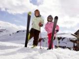 Kinder bei Skifahren