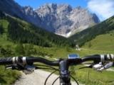 Mit dem Mountainbike lässt sich die Silberregion Karwendel abwechslungsreich erkunden.