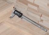 Der Messschieber bleibt immer im Werkzeugkoffer der Handwerker