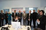 Staatssekretär Hillebrand (4.v.li.) und Gerhard Wach (2.v.re) eröffnen