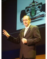 Global Top Speaker und Formel 1 Experte Mark Gallagher bei einem Vortrag