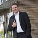 5 Sterne Agenturinhaber Heinrich Kürzeder liegt die Zukunft der Region Bayern-Schwaben am Herzen.