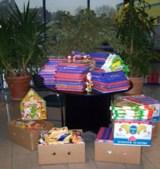 Mitarbeiter der Service94 GmbH sammelten Geschenke für Kinder