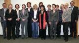 Die 12 erfolgreichen Absolventen mit ihrem Dozenten Frank Steinau